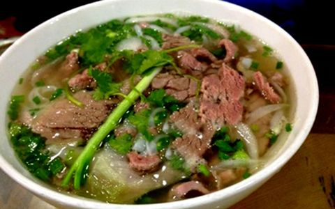 Enjoy Ha Noi Pho like the gourmet