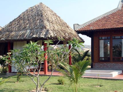 Full Moon Village Resort