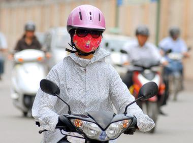 Hanoi Women in masks