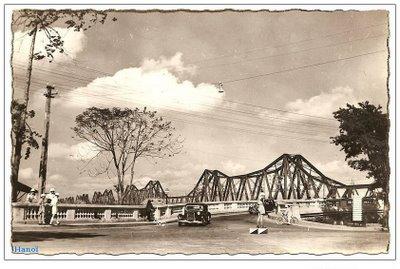 Long Bien Bridge in 1950