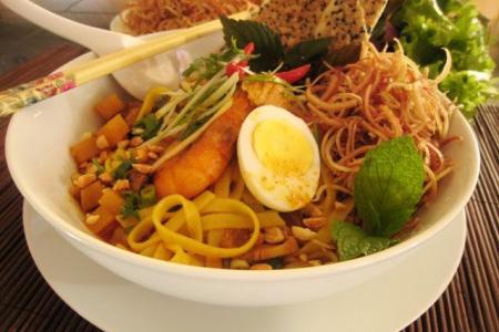 Quang noodle - unique cuisine of Hoi An