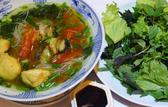 Hot vermicelli and snails