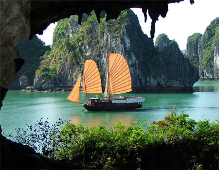 Ha Long Bay - the legendary beauty