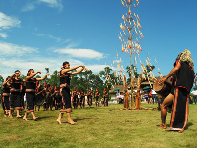 Ethnic groups celebrate their cultural day