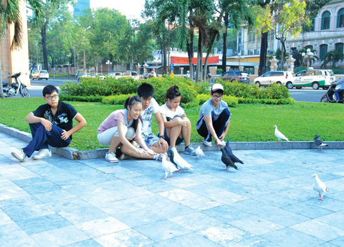 The children offen came here, feeding the dove as a way of releasing stress after day