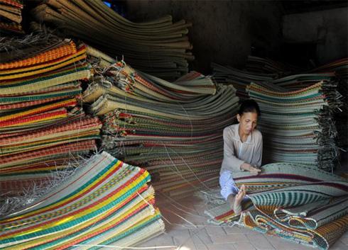Machine-made mats