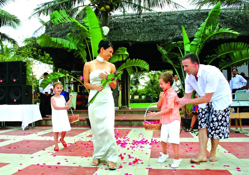 Vietnam and the paradises for Destination Wedding