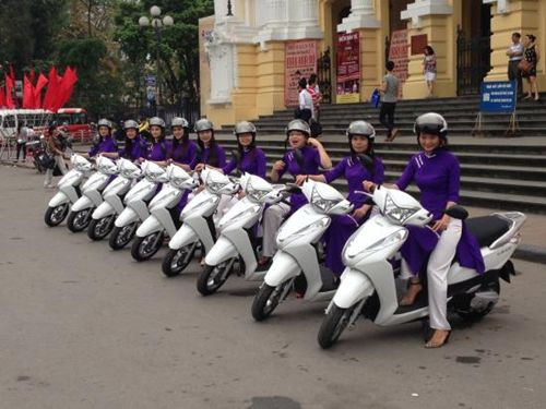 Motorbike Tours to discover Hanoi city