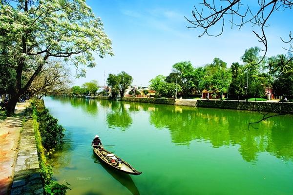 Romantic Huong River, Hue City