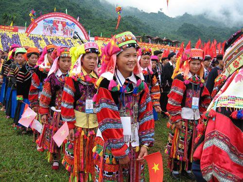 Pu Peo unique customs and cultural values