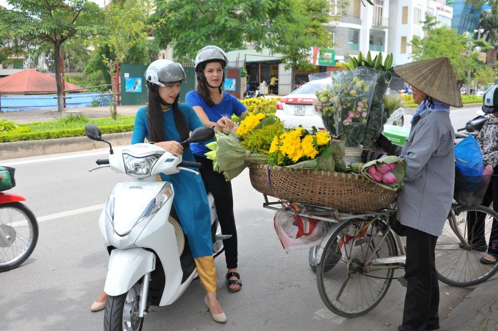 Hanoi Motorbike Tours