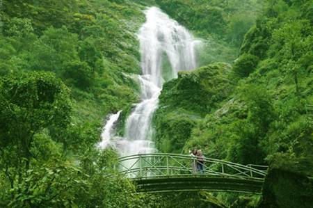 Silver Waterfall – O Quy Ho Pass
