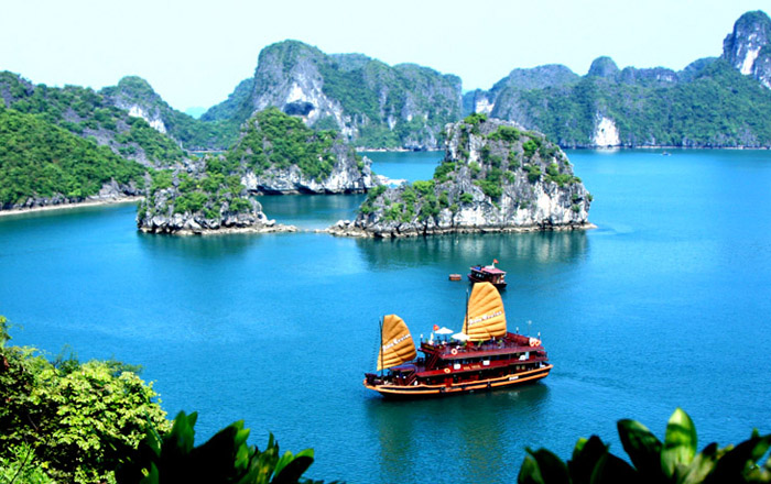 Top 10 cruises in Halong Bay for 2017