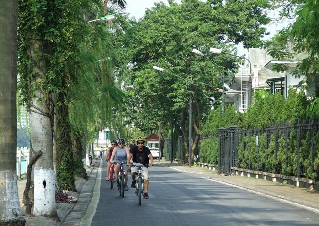 Hanoi biking tours