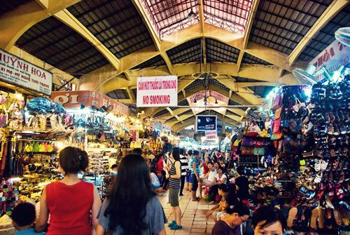 Ben Thanh night market 1