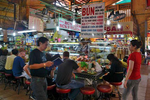 Ben Thanh night market 2