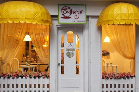 Teenagers' Cafés