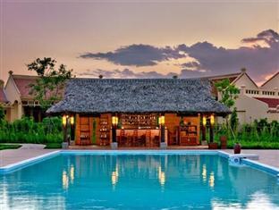 Emeralda Resort 1