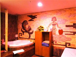 Three Star Hotel 2