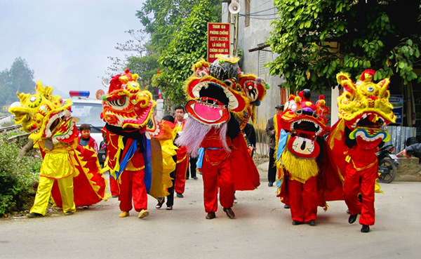 Mid autumn festival in Vietnam - Children biggest yearly festival