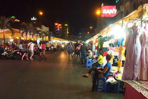Ben Thanh night market 4