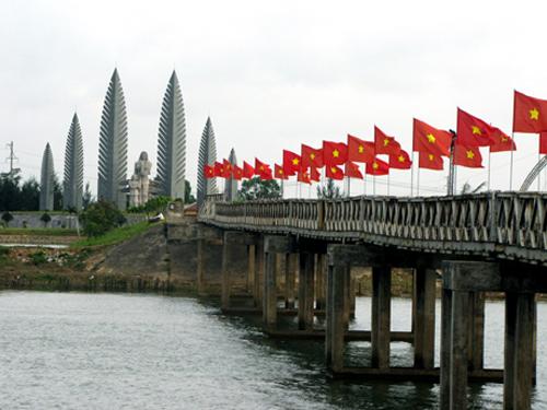 Hien Luong Bridge in Quang Tri