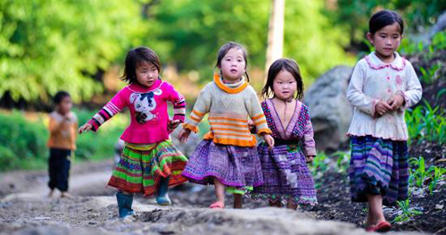 Children in mountainous area of Vietnam