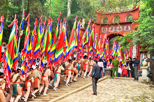 hung temple festival in vietnam The tour east vietnam team take great pride in providing the most exceptional  travel  259 tran hung dao street co giang  apr - hung king temple festival.
