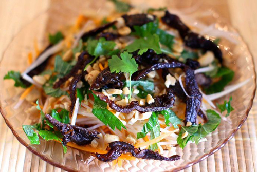 Vietnamese Sour Sweet Salad With Dried Beef