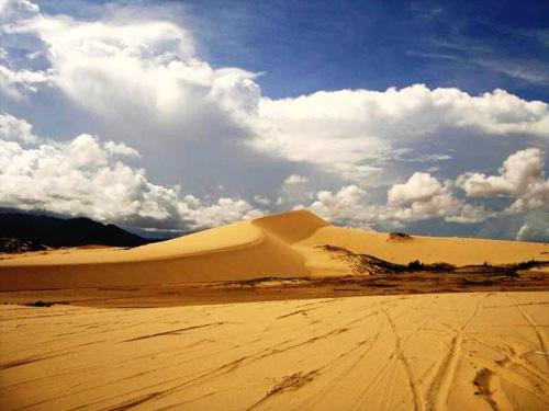 Mui Dinh sand dunes