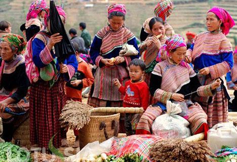 Bac Ha, Sapa Market