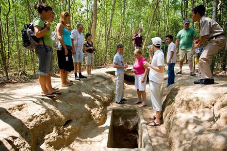 Ho Chi Minh City and Cu Chi Tunnels Full Day Trip
