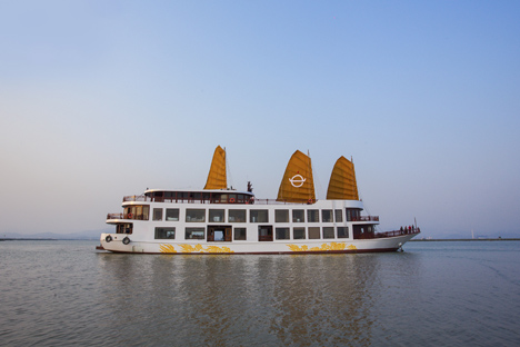 Halong Emperor Cruise