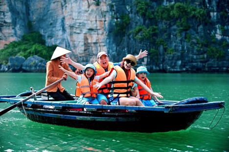 Highlights of Vietnam for Family Tour 10 Days