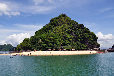 Halong Titop Beach