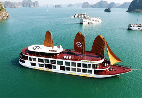 Treasures of Vietnam from Saigon to Hanoi Tour in 12 Days