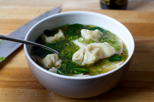 Mini wontons in soup - Shanghai Travel Guide