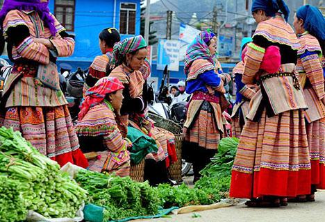 2 Days Sapa Markets Tour