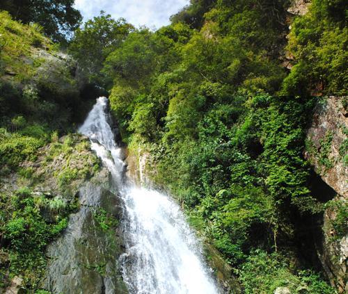 Silver Waterfall Tam Dao