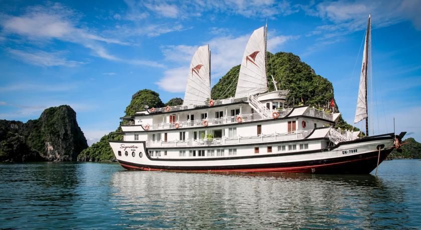 Signature Cruise – 2 Days 1 Night