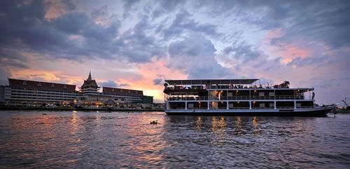Toum Tiou – Toum Tiou II Cruise – 3 days 2 nights – Siem Riep – Phnom Penh