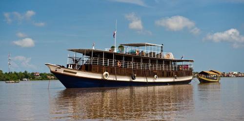 Toum Tiou – Toum Tiou II Cruise – 6 days 5 nights – Phnom Penh – Saigon