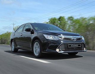 Toyota Camry for rent in Vietnam